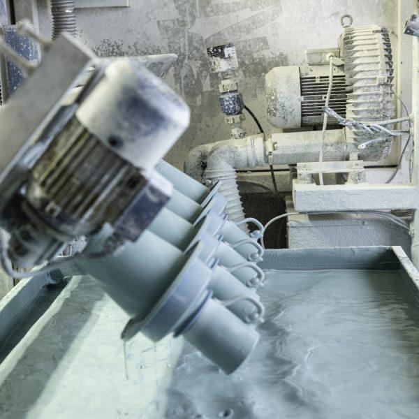 Blick in die Tassenproduktion